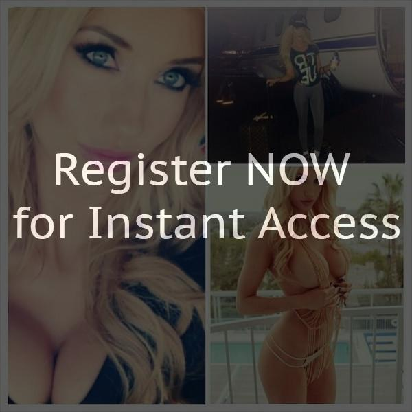 Online chat rooms for single